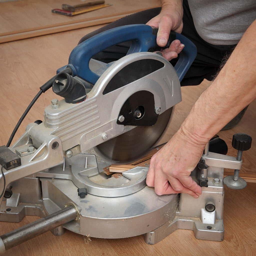 Cutting the parquet tiles